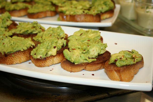 Crostini di avocado