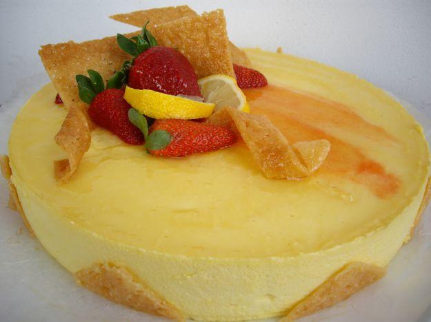 Torta con mousse di limone