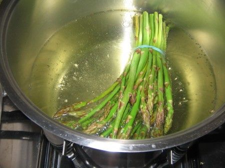 asparagi bolliti