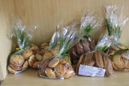 Biscotti biologici cotti in forni a legna