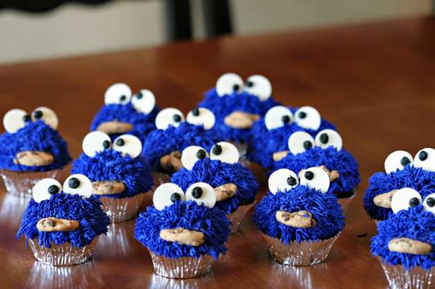 cookie monster cupcake 01