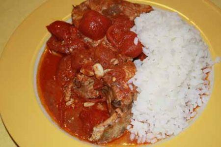 coulash di pesce con riso bianco