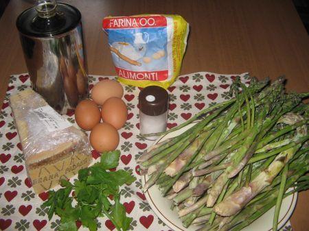 ingredienti per lo sformato di asparagi