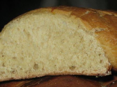 pane con zafferano e pistacchi