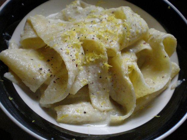 pappardelle con crema di carciofi e limone