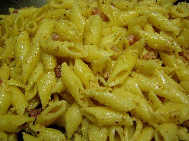 pasta pesto di noci e pancetta