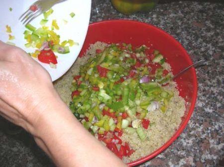 Unite le verdure alla quinoa