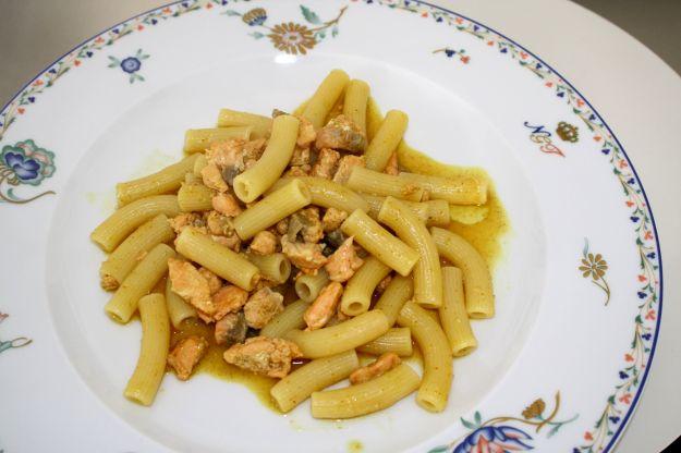 ricetta pasta salmone curry 01