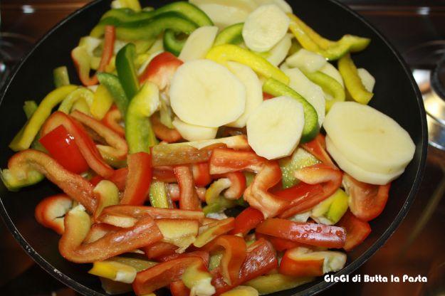 ricetta peperoni e patate 01