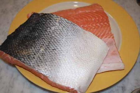 filetto di salmone pronto per la marinatura