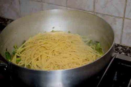 spaghetti alla chitarra con zucchine e asparagi