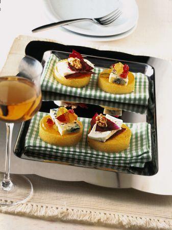 tartine di polenta e frutta