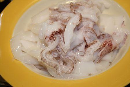 totani o calamari con i carciofi