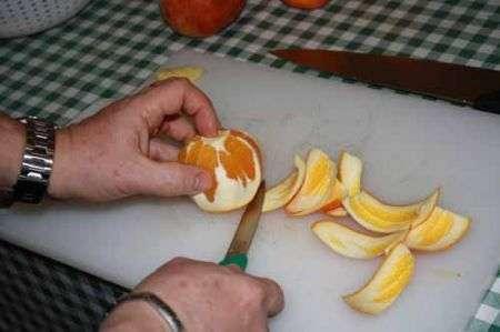 pelate al vivo le arance