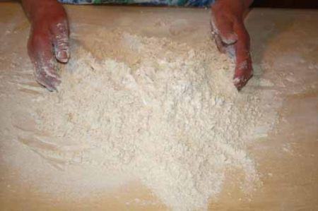 versate la farina bianca