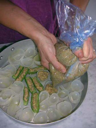 riempite le verdure usando una sacca