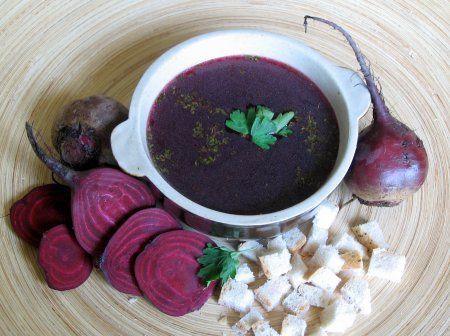 ricetta della zuppa fredda di barbabietole