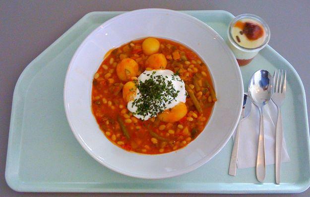 zuppa fagioli prosciutto