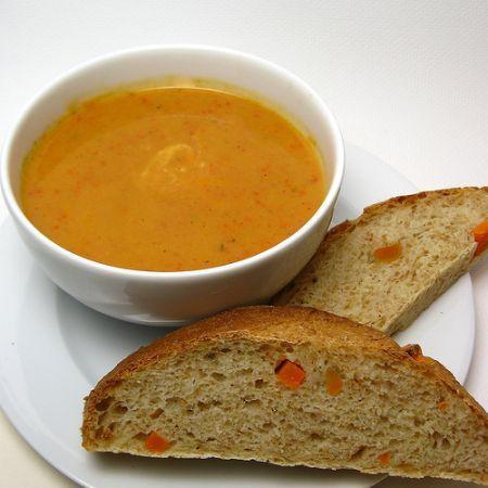 zuppa fredda ai peperoni