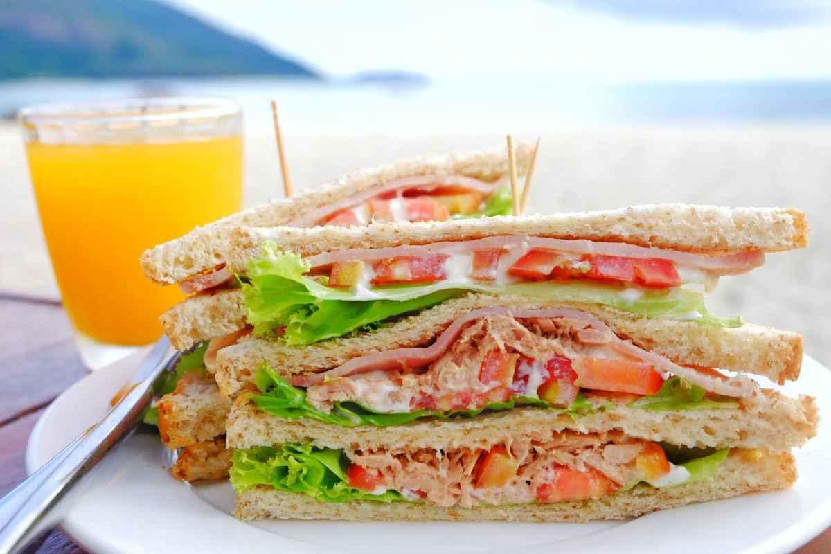 Cosa portare e mangiare in spiaggia: 6 ricette estive