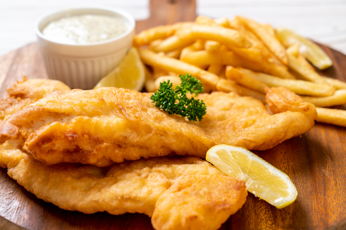 Fish and chips: pesce in pastella e patate fritte