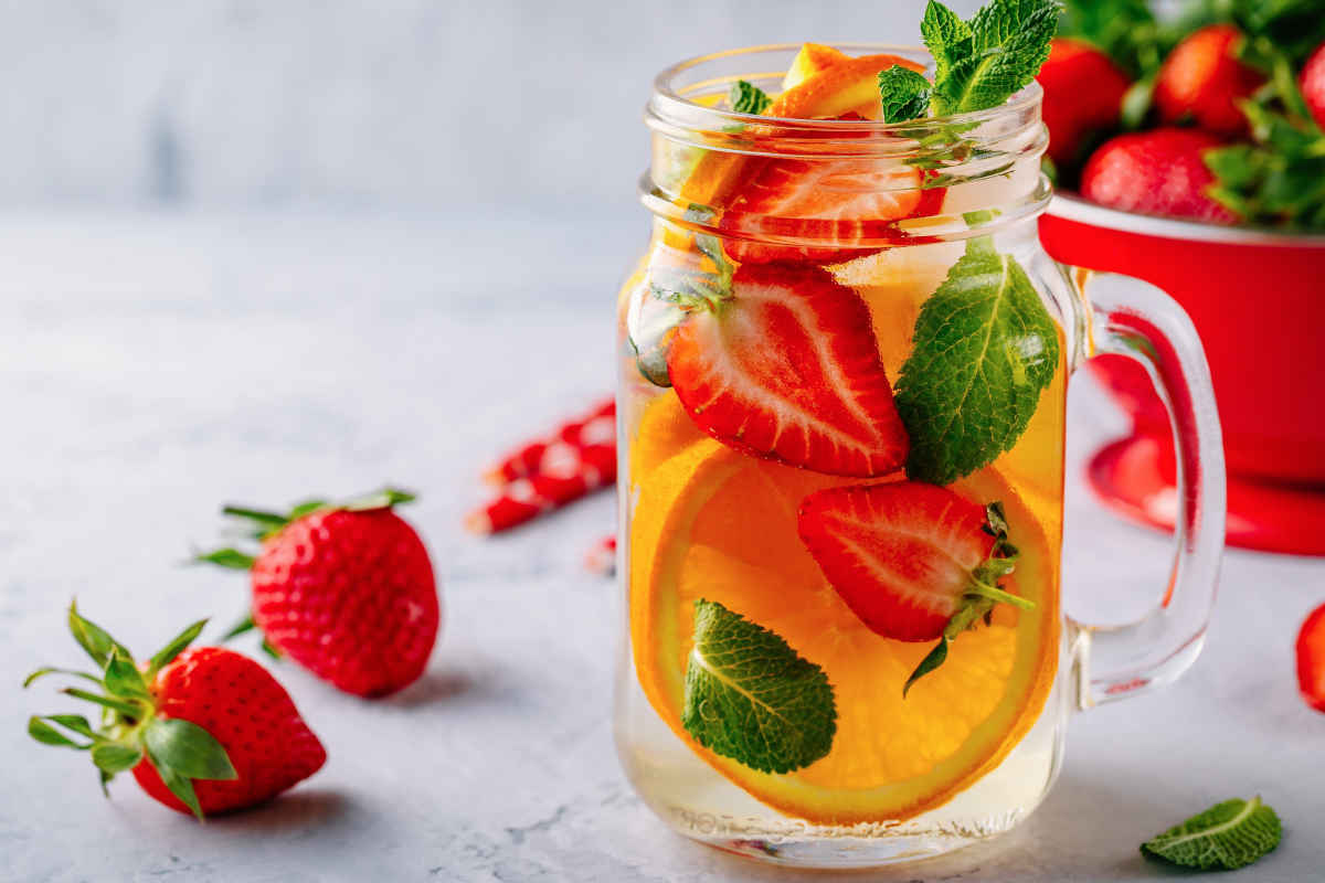 Cocktail analcolico arance e fragole
