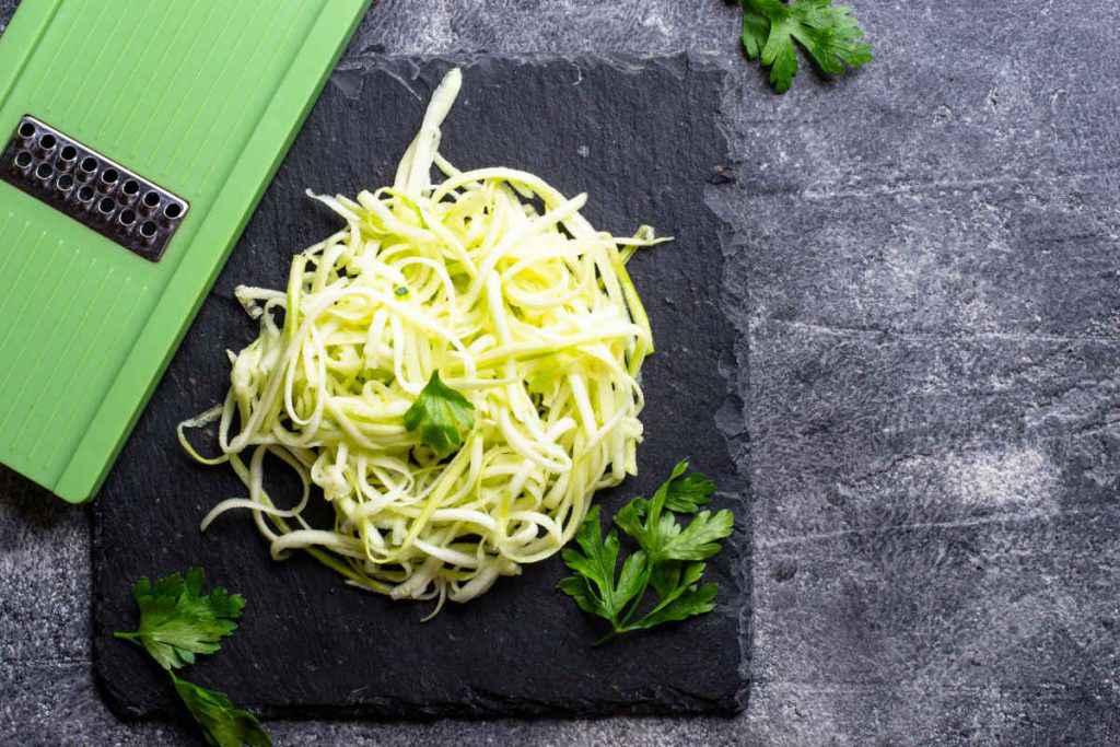 spaghetti di zucchine menu dietetico
