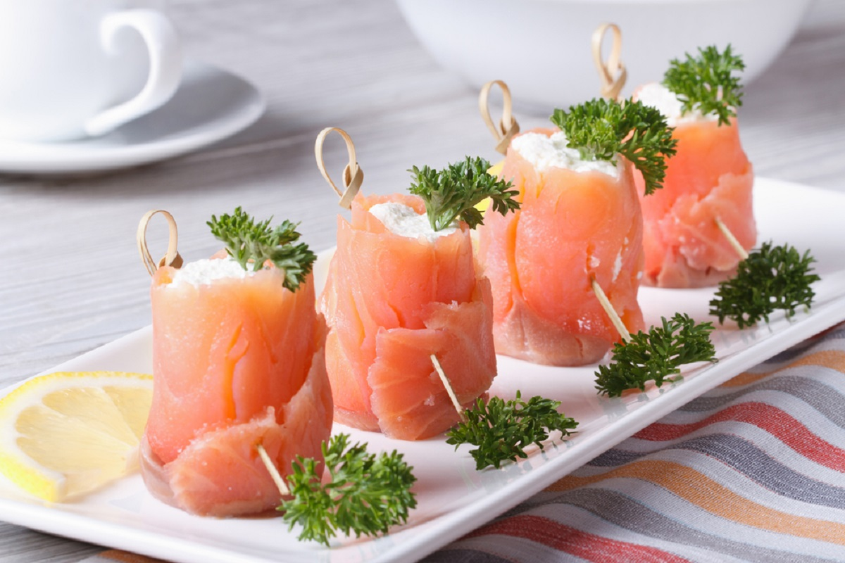 involtini di salmone e formaggio philadelphia