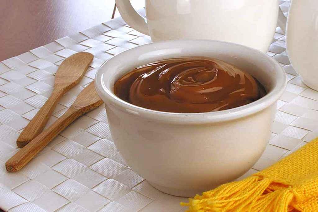 Crema al cioccolato senza cottura