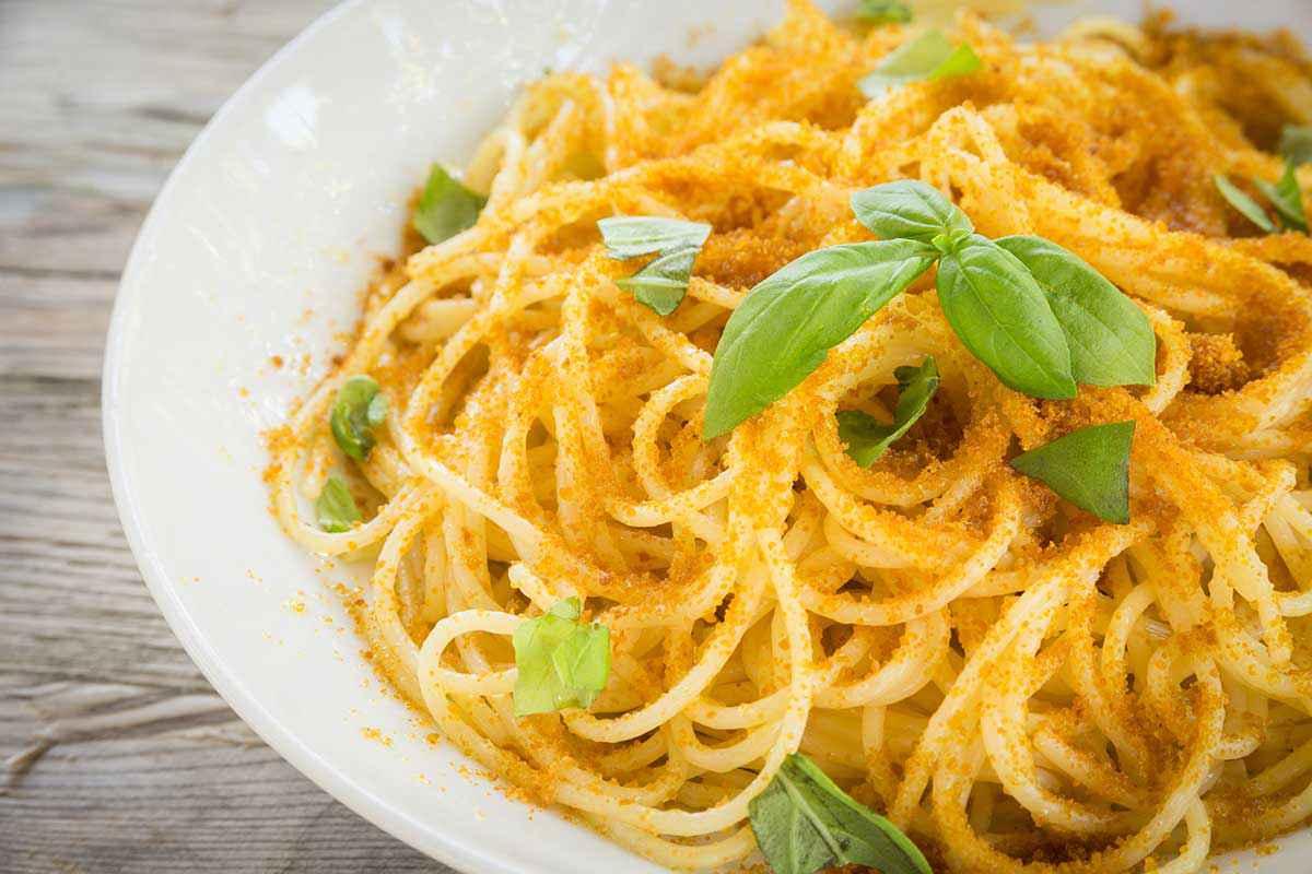 Spaghetti con bottarga e limone