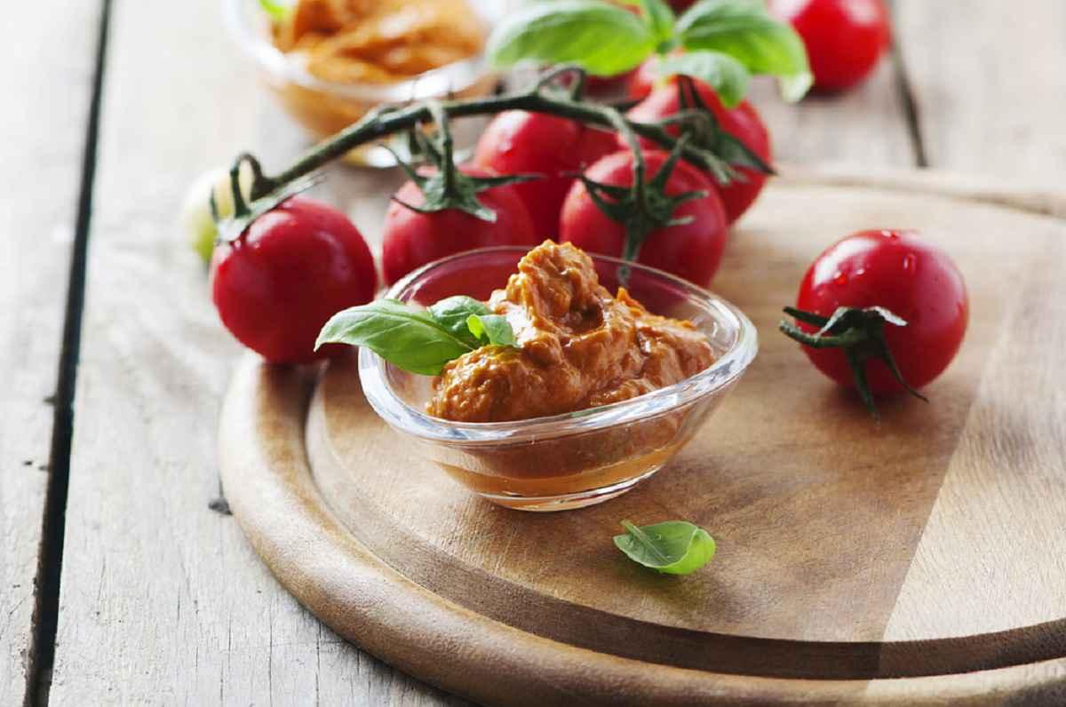 Pesto alla siciliana, come farlo e le varianti più golose