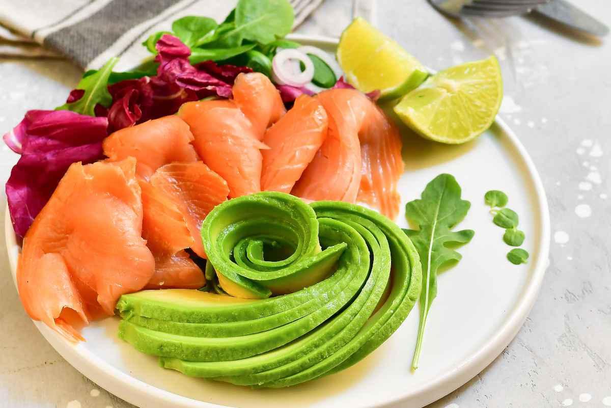 salmone affumicato con avocado