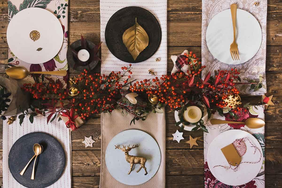 Tavola natalizia: come apparecchiarla per il cenone della Vigilia e il pranzo di Natale