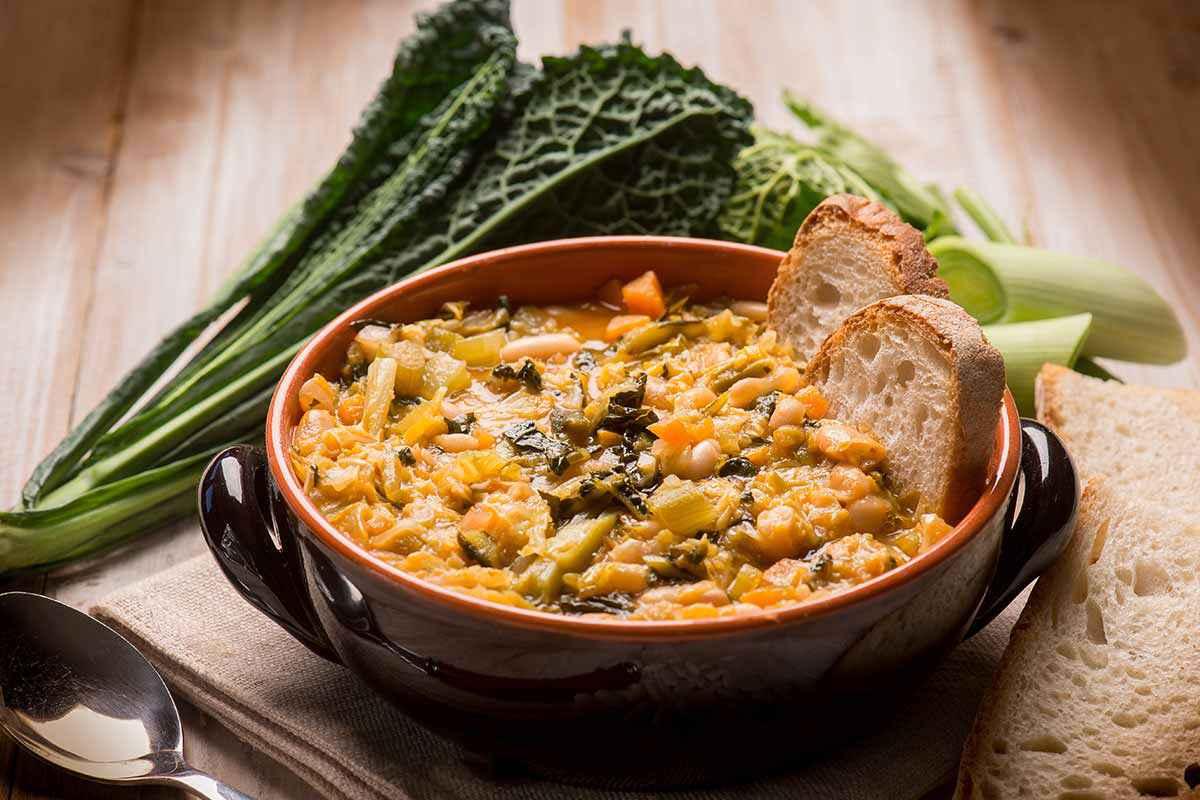 Zuppa ribollita toscana