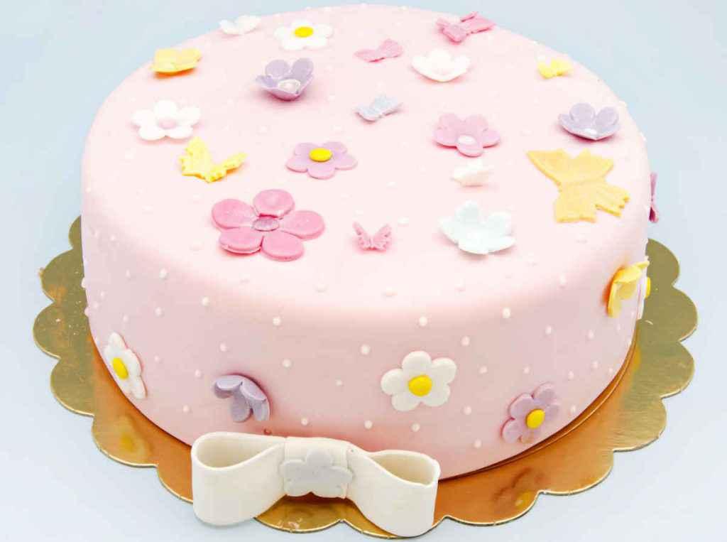 torta in pasta di zucchero per festa della mamma
