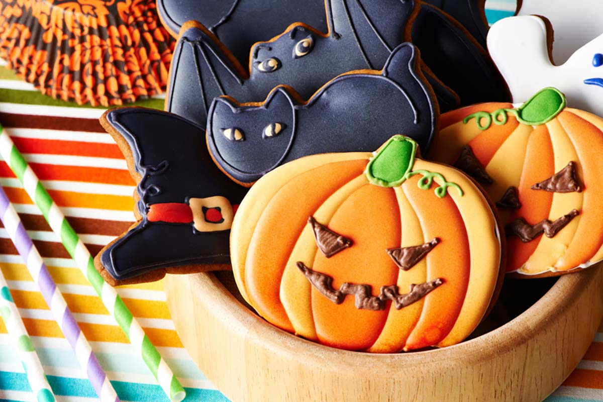 Biscotti per Halloween dalle forme spaventose