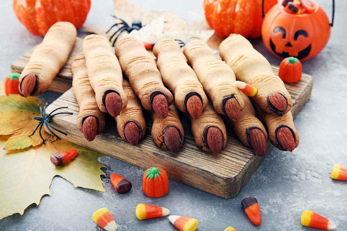 Dolcetti a forma di dita di strega per Halloween