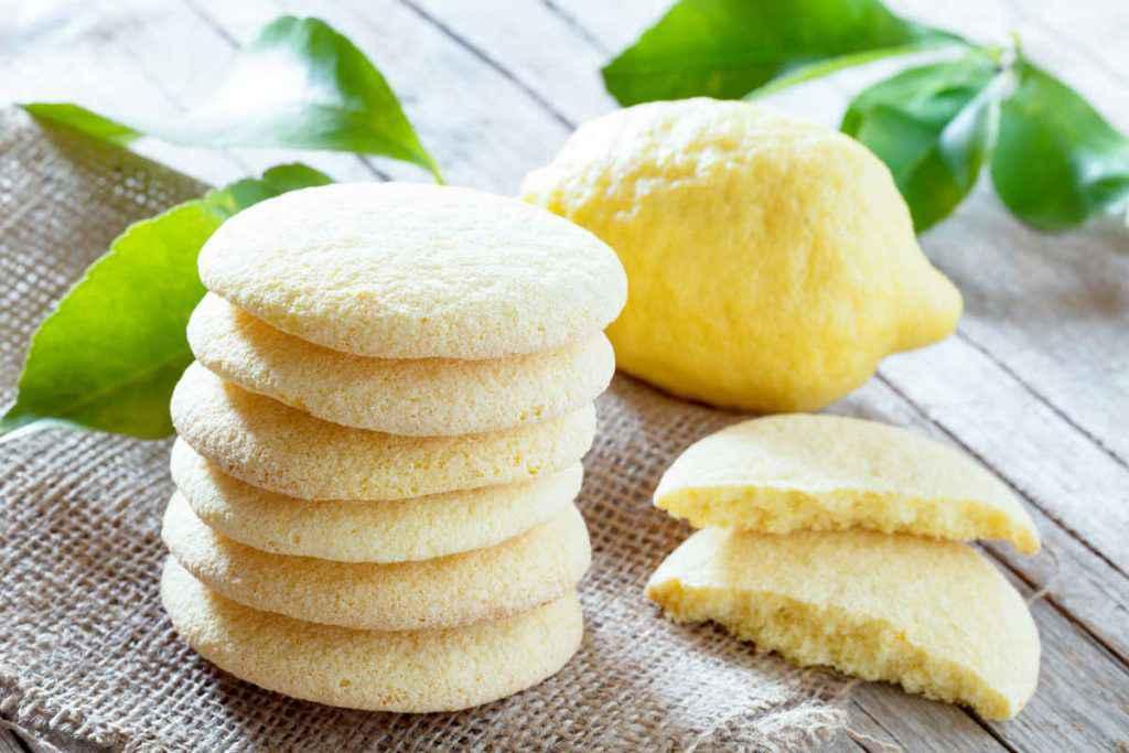 biscotti al limone frollini profumati