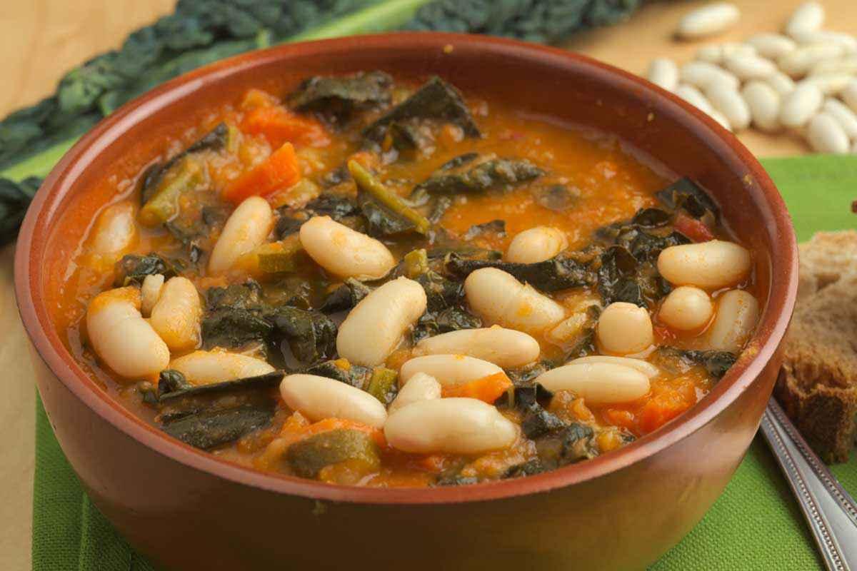 Zuppa di cavolo e fagioli