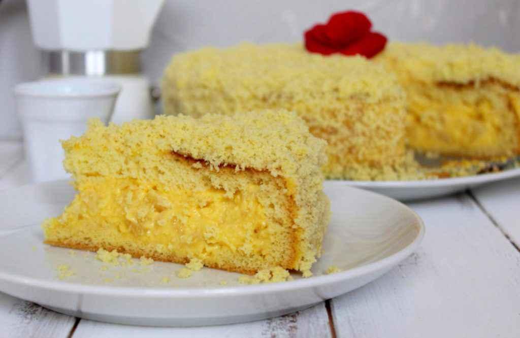 fetta di torta mimosa