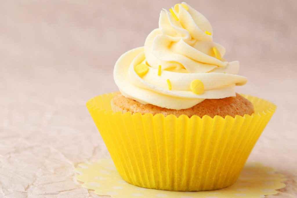 cupcake mimosa con crema