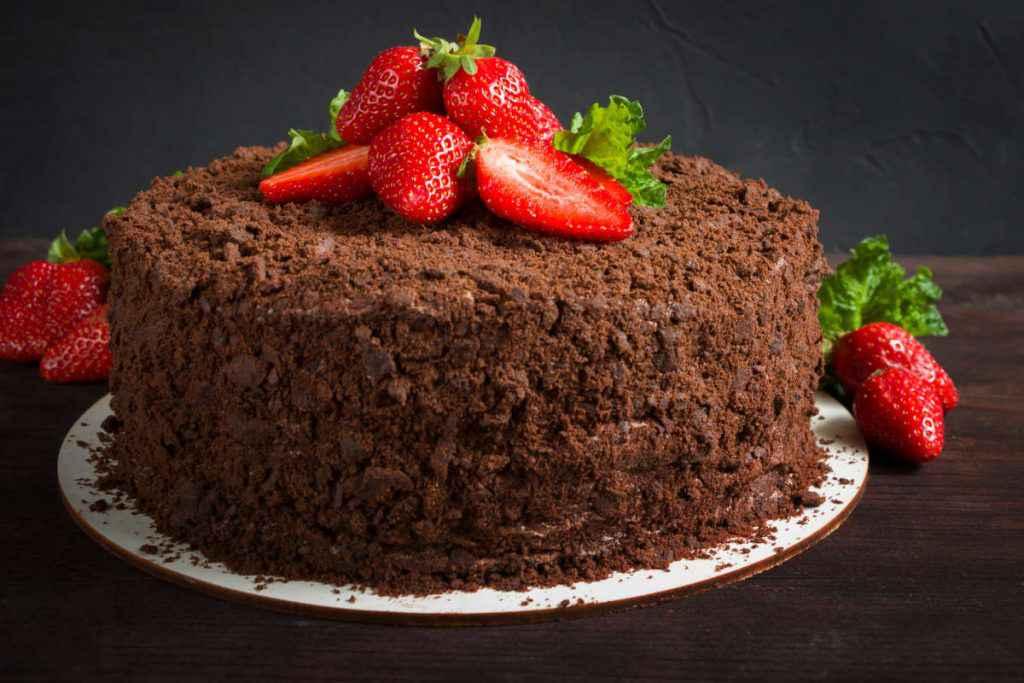 torta mimosa cioccolato e fragole