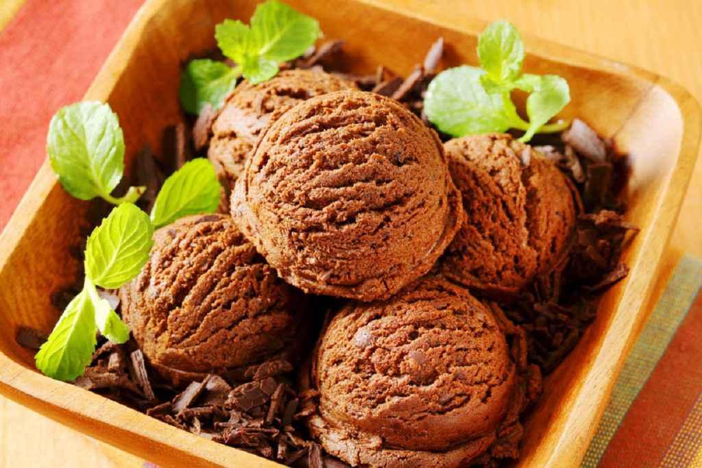 ricetta gelato al cioccolato con e senza gelatiera