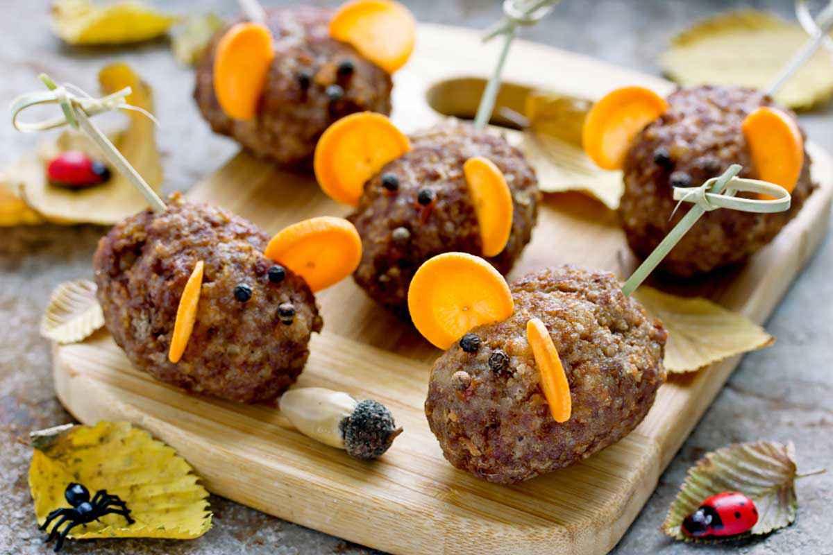 Topolino con polpette di carne per Halloween