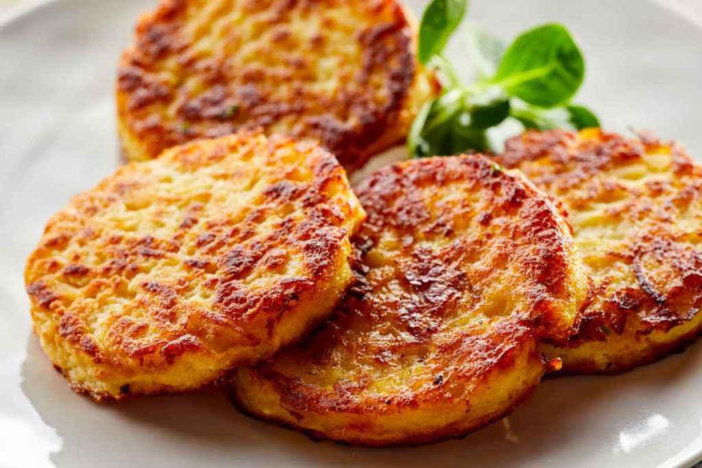 frittelle di patate e cipolle Kartoffelpuffer