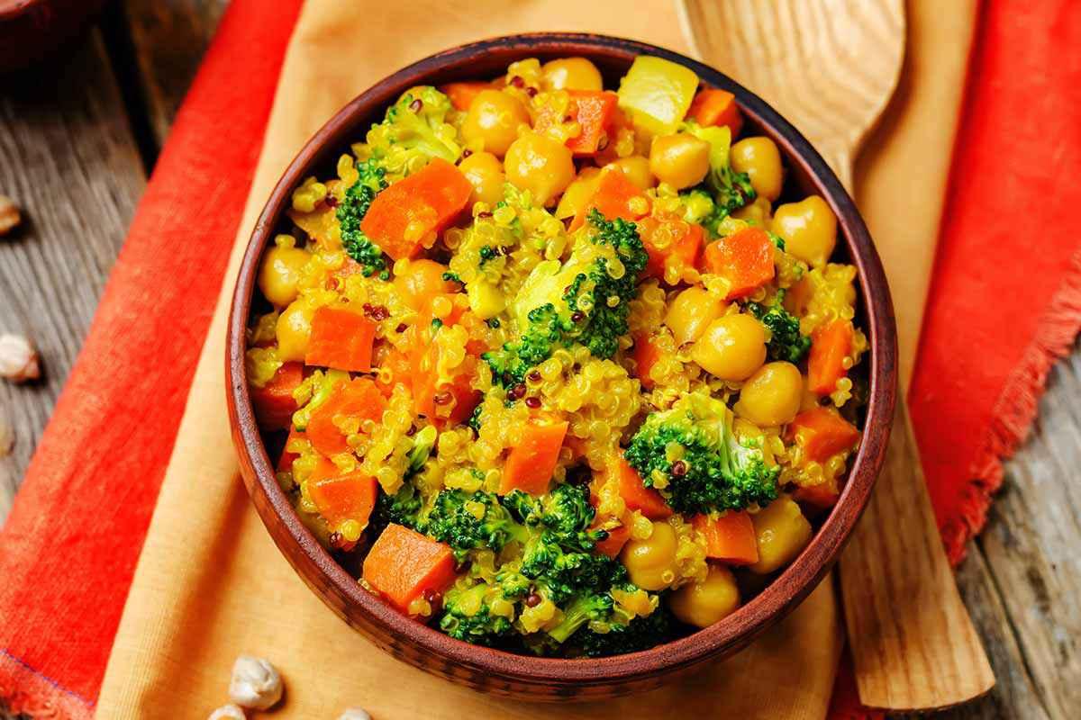 Quinoa al curry con verdure