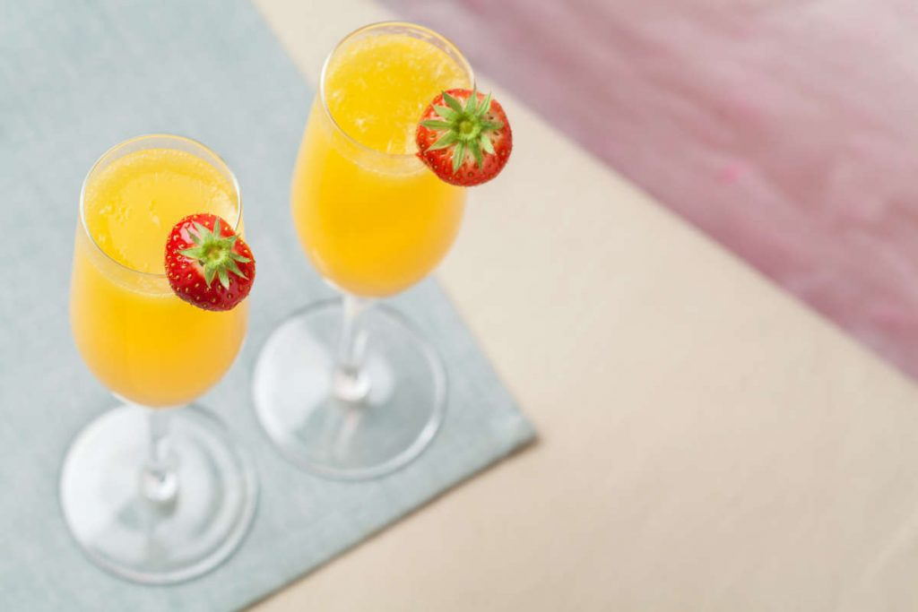 cocktail mimosa e fragole