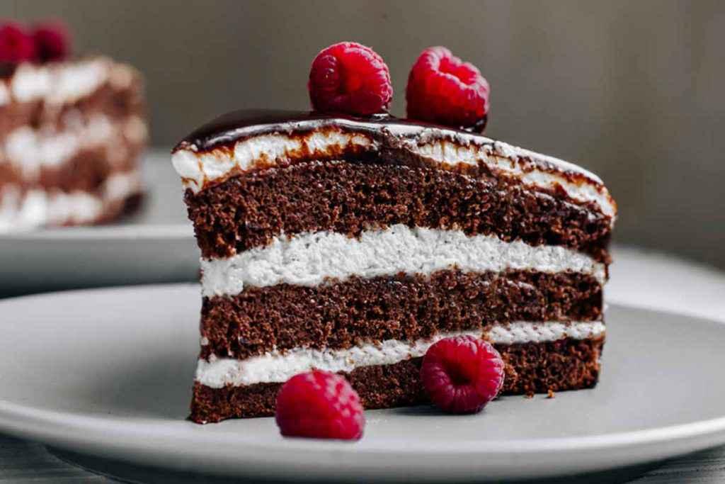 Torta delice con nutella e panna montata