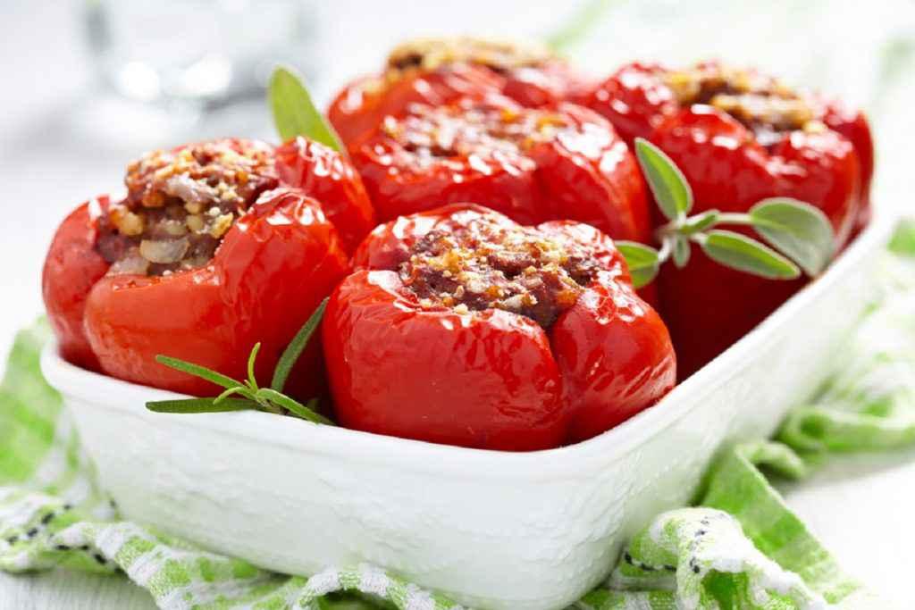 verdure ripiene estive peperoni al forno