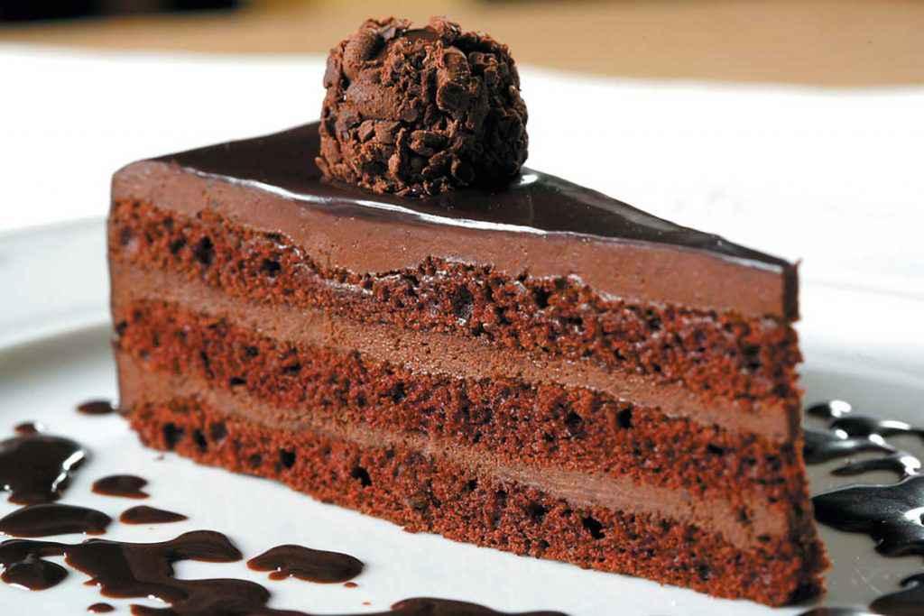 Come bagnare una torta al cioccolato
